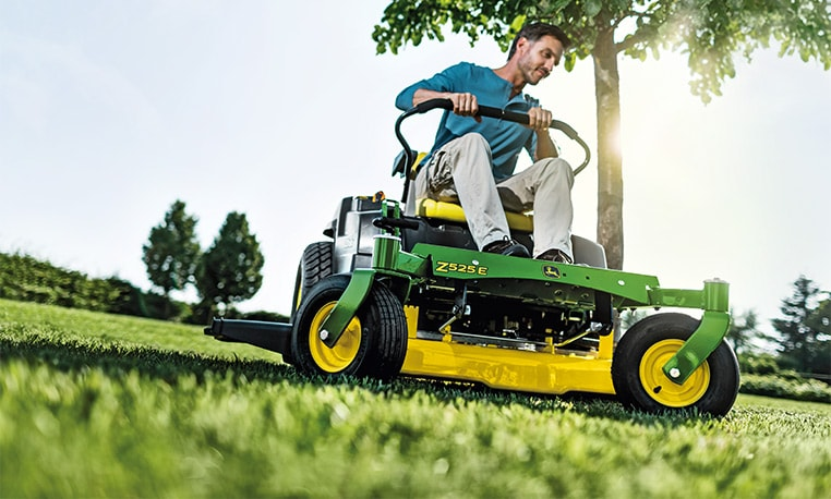 John Deere Ztrak Zero-Turn Mowers Why compromise on agility?