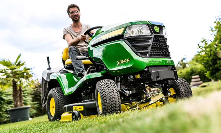 John Deere X300 Series Next-level perfection