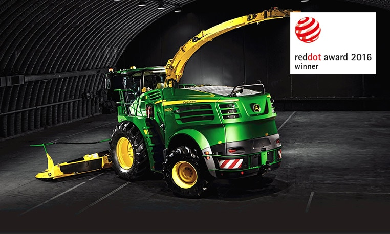 John Deere forager receives Red Dot Award for Product Design