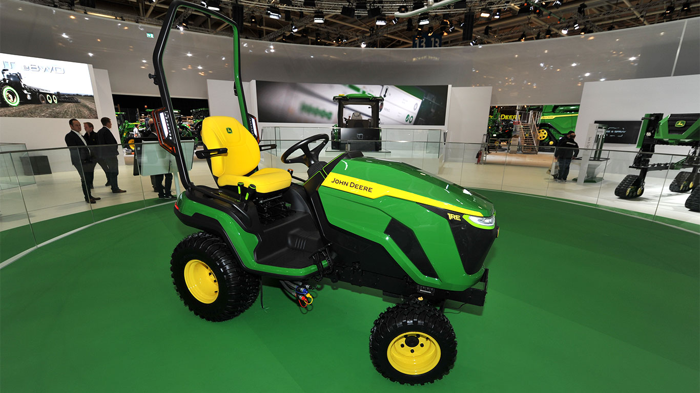 Zero emission compact utility tractor