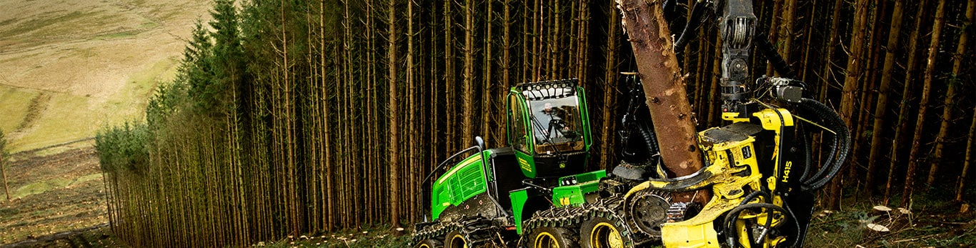 John Deere forest machines work in the forest