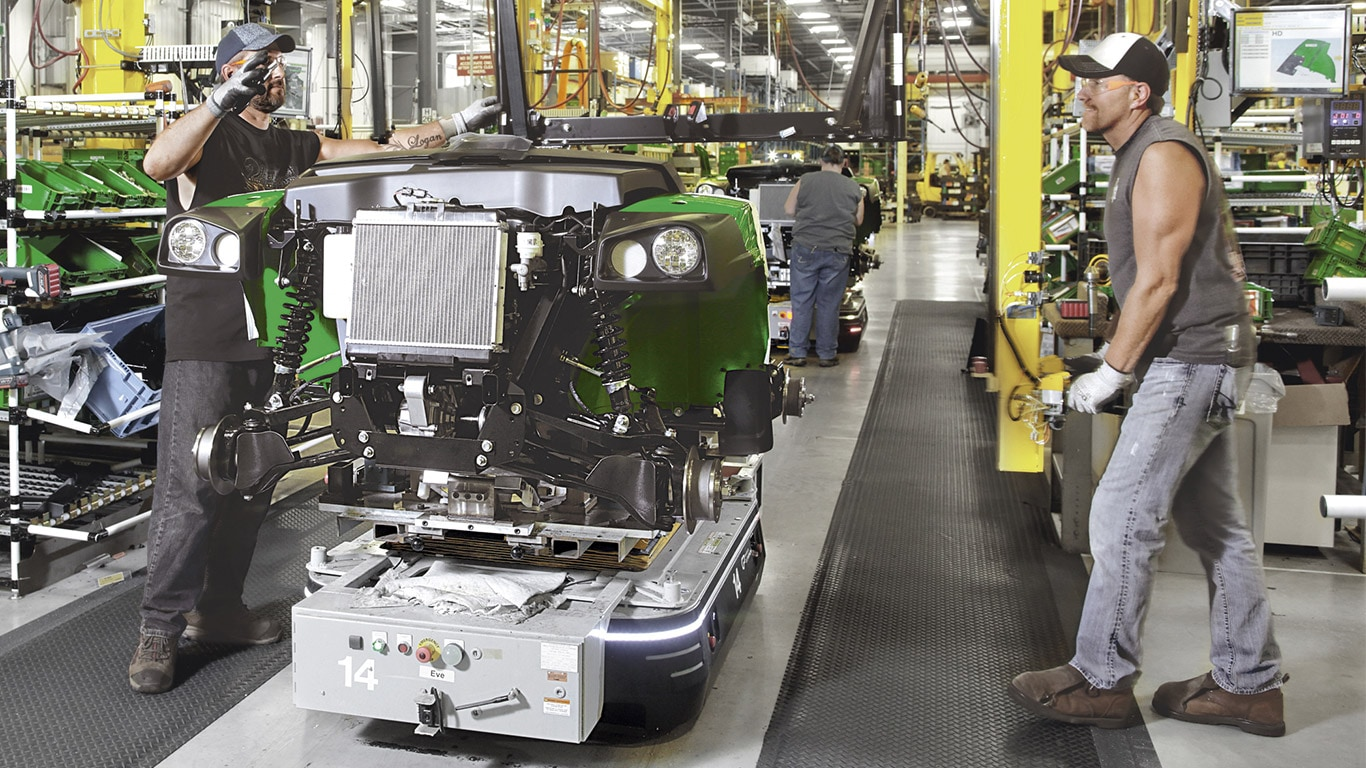 Gator Utility Vehicles, Assembly Line, Factory, Operator