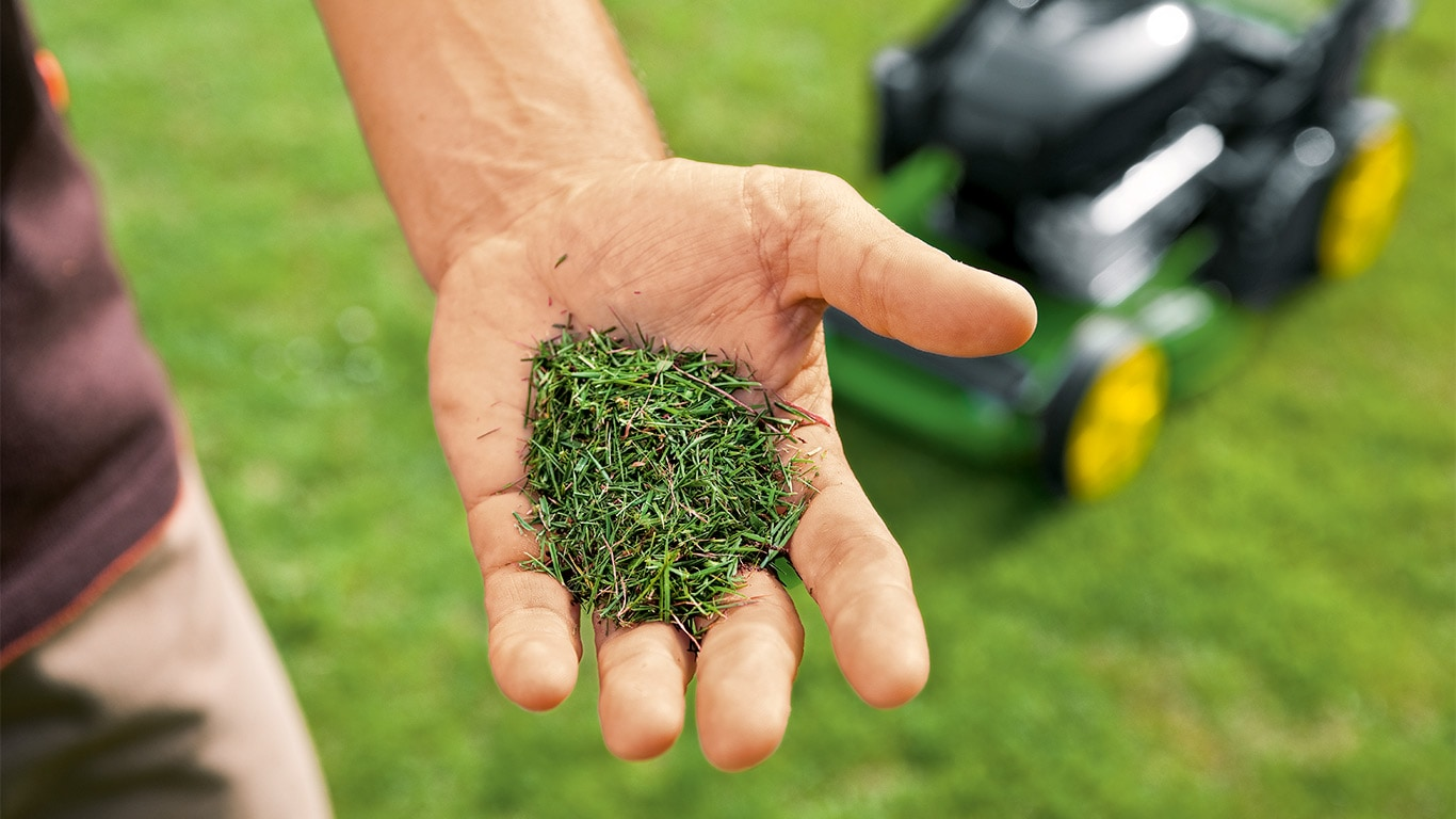 Natural goodness. The nitrogen-rich clippings are returned to the lawn as natural fertiliser.