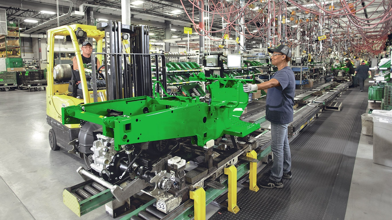 Gator Utility Vehicles, Factory, Assembly Line, Operator