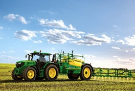 John Deere's innovative PowrSpray solution system is available for the high specification R900i Series trailed sprayers.