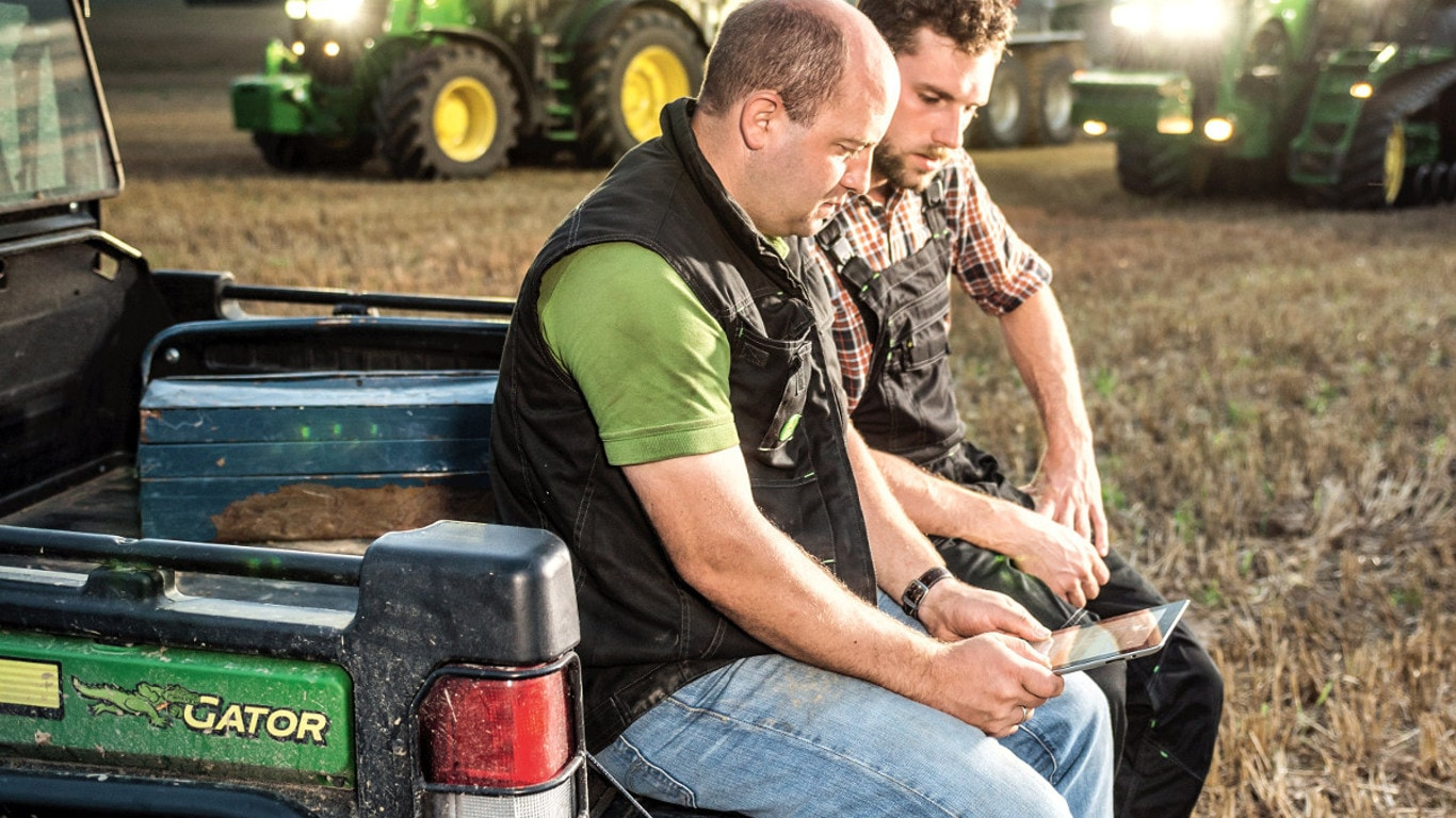 The latest John Deere FarmSight apps are designed to improve productivity and lower operating costs.