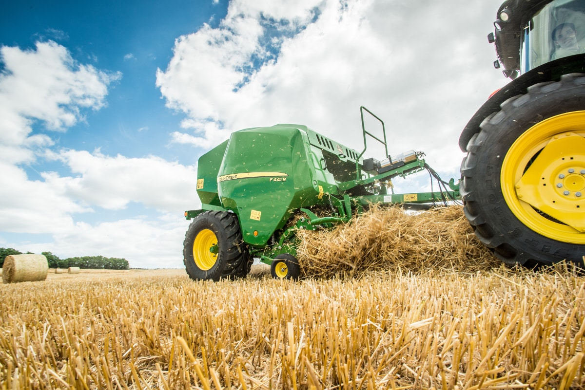 The premium, high capacity F441R round baler can increase productivity by up to nine per cent.