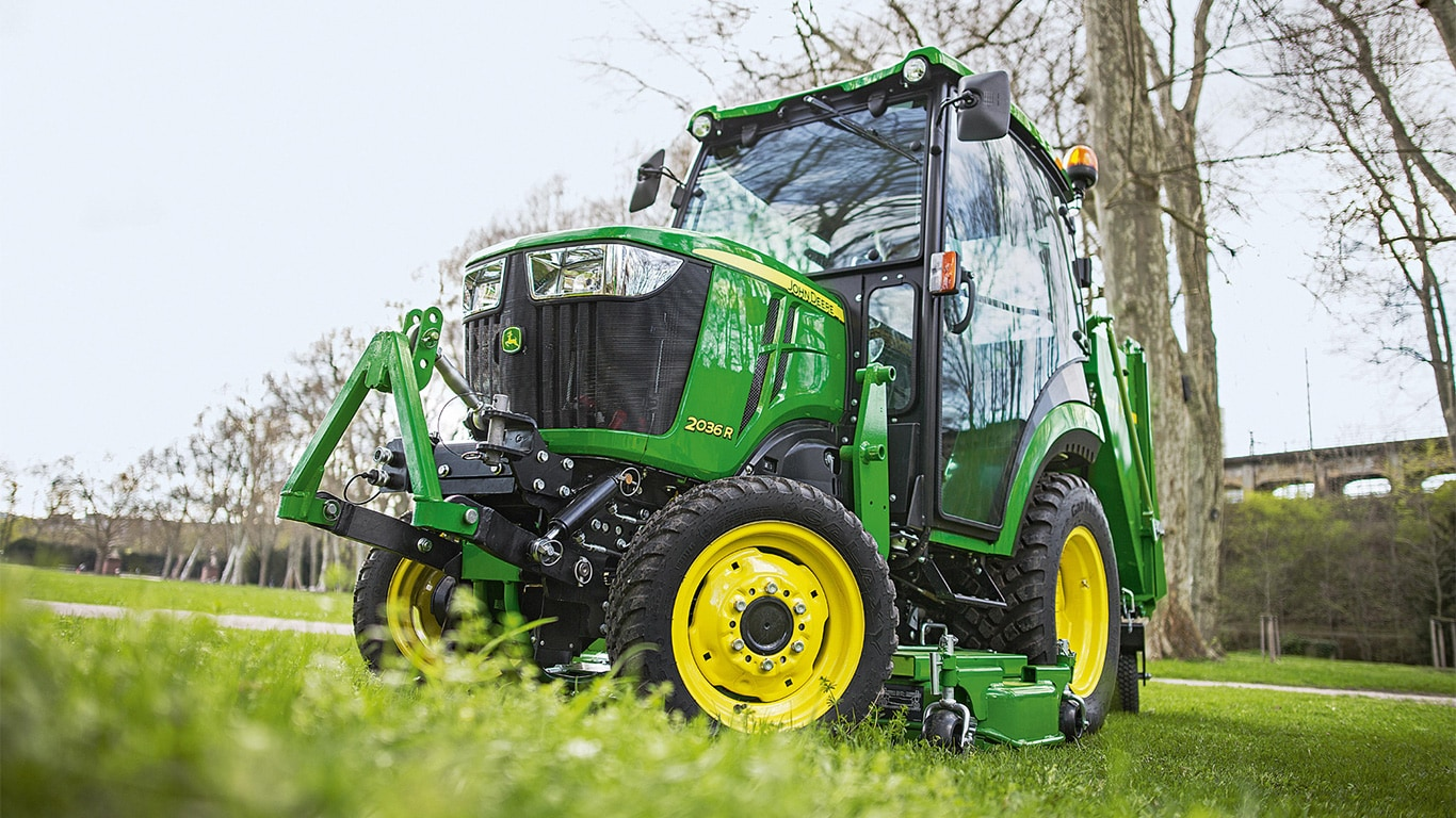 The new John Deere 2036R compact tractor makes its UK show debut at SALTEX 2016 at the NEC in November