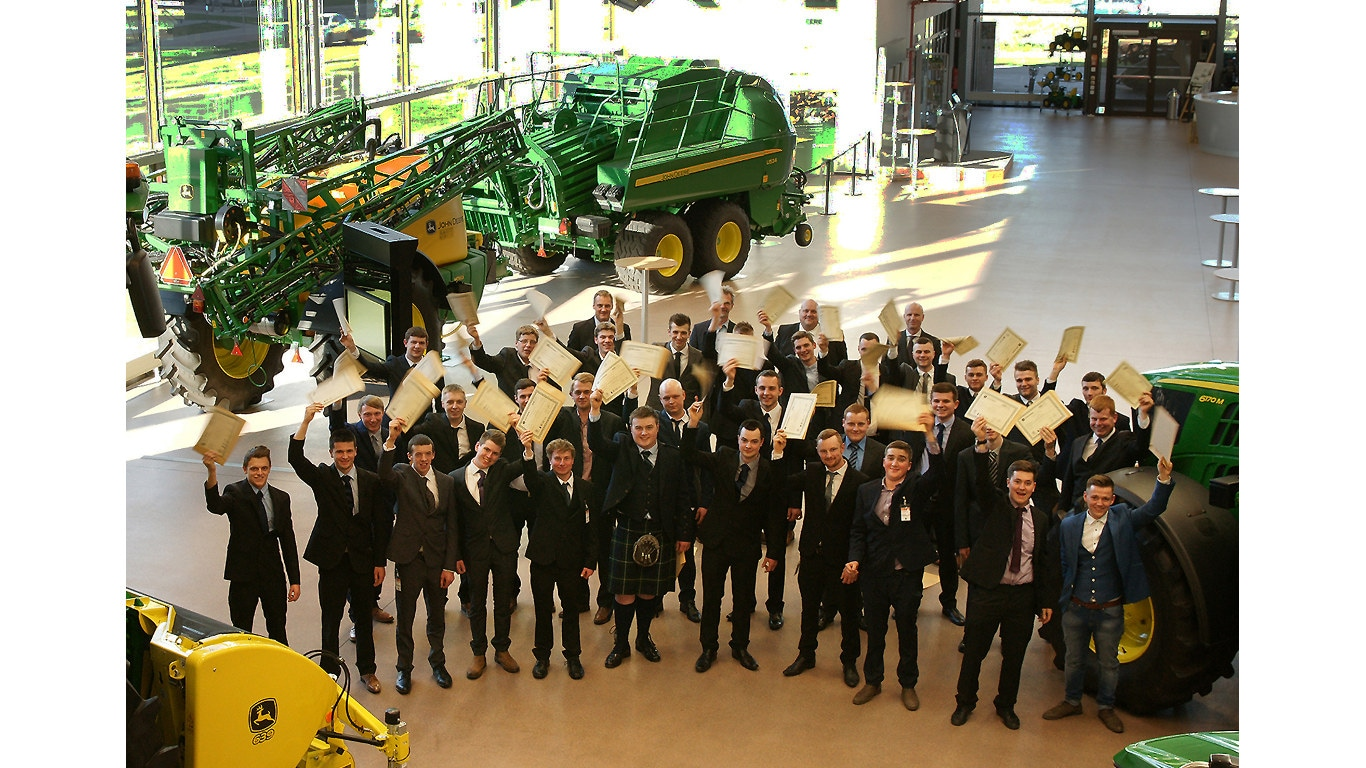 Ag, Parts & Turf Tech 2016 graduates at the John Deere Forum in Mannheim with Richard Halsall, Dr Lutz Schueppenhauer and Stuart Jones & Julian Lloyd of ProVQ.