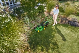 Robust but lightweight, a battery walk-behind mower is ideal for areas with no access to a power socket.