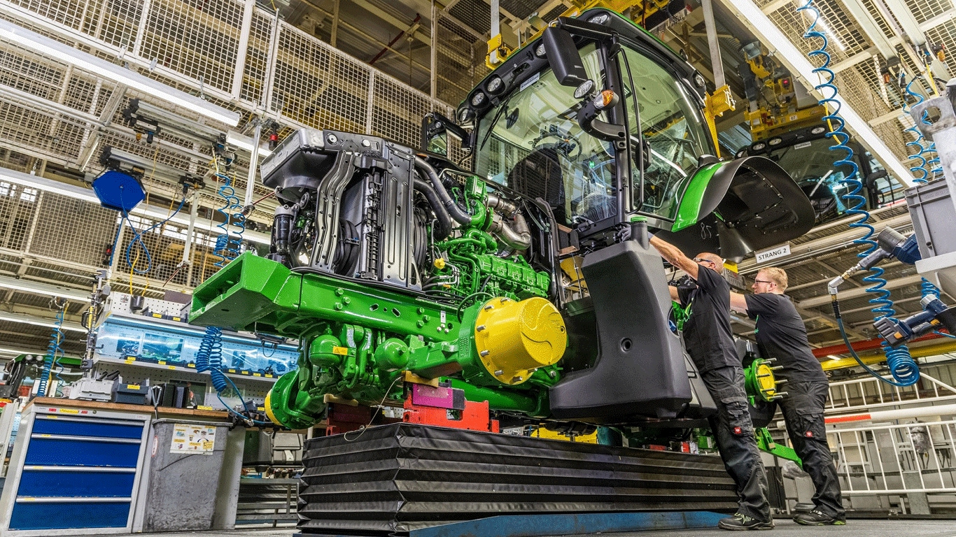 Deere Announces Third-Quarter Net Income of $910 Million