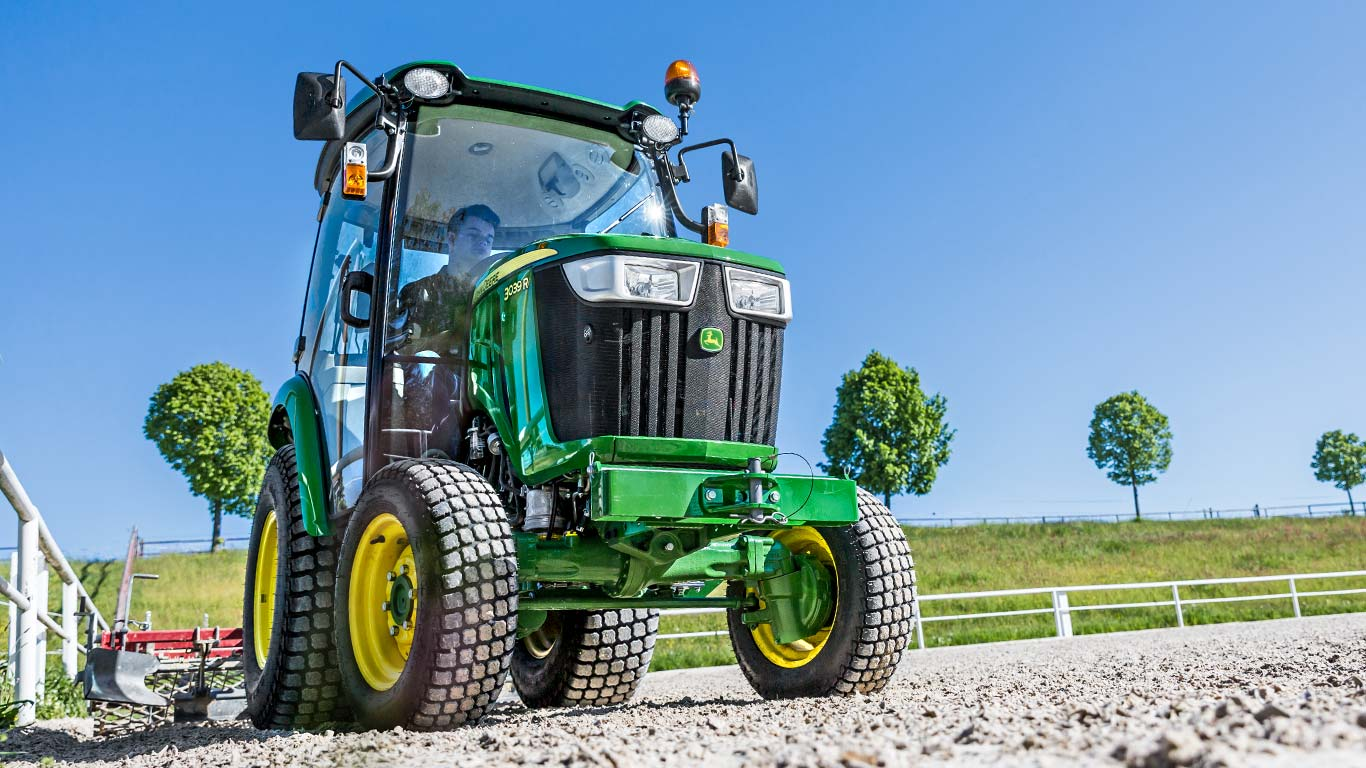 3 Series, Compact Utility Tractors, Field
