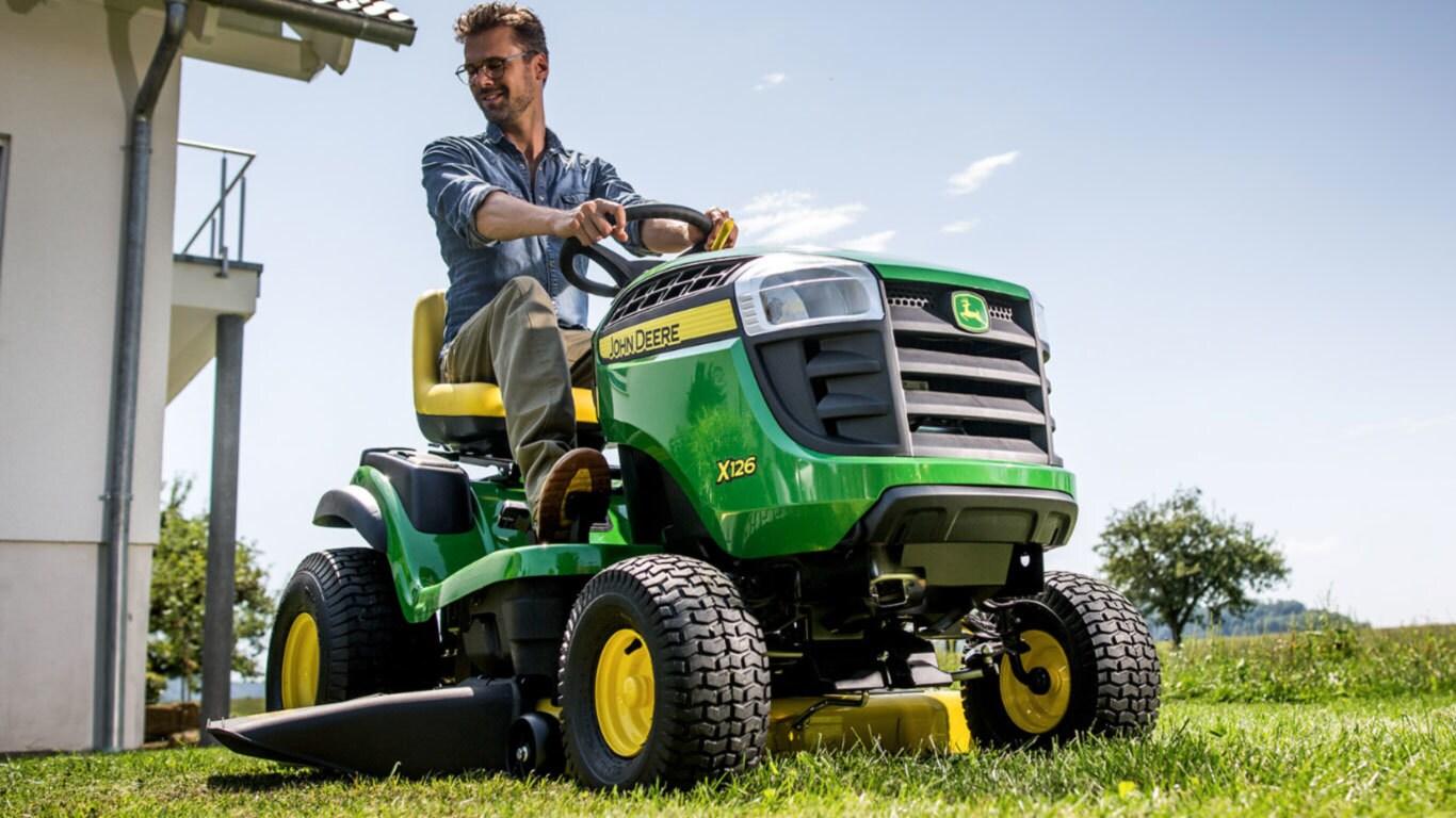 X126 | Riding Lawn Equipment | John Deere UK & Ireland