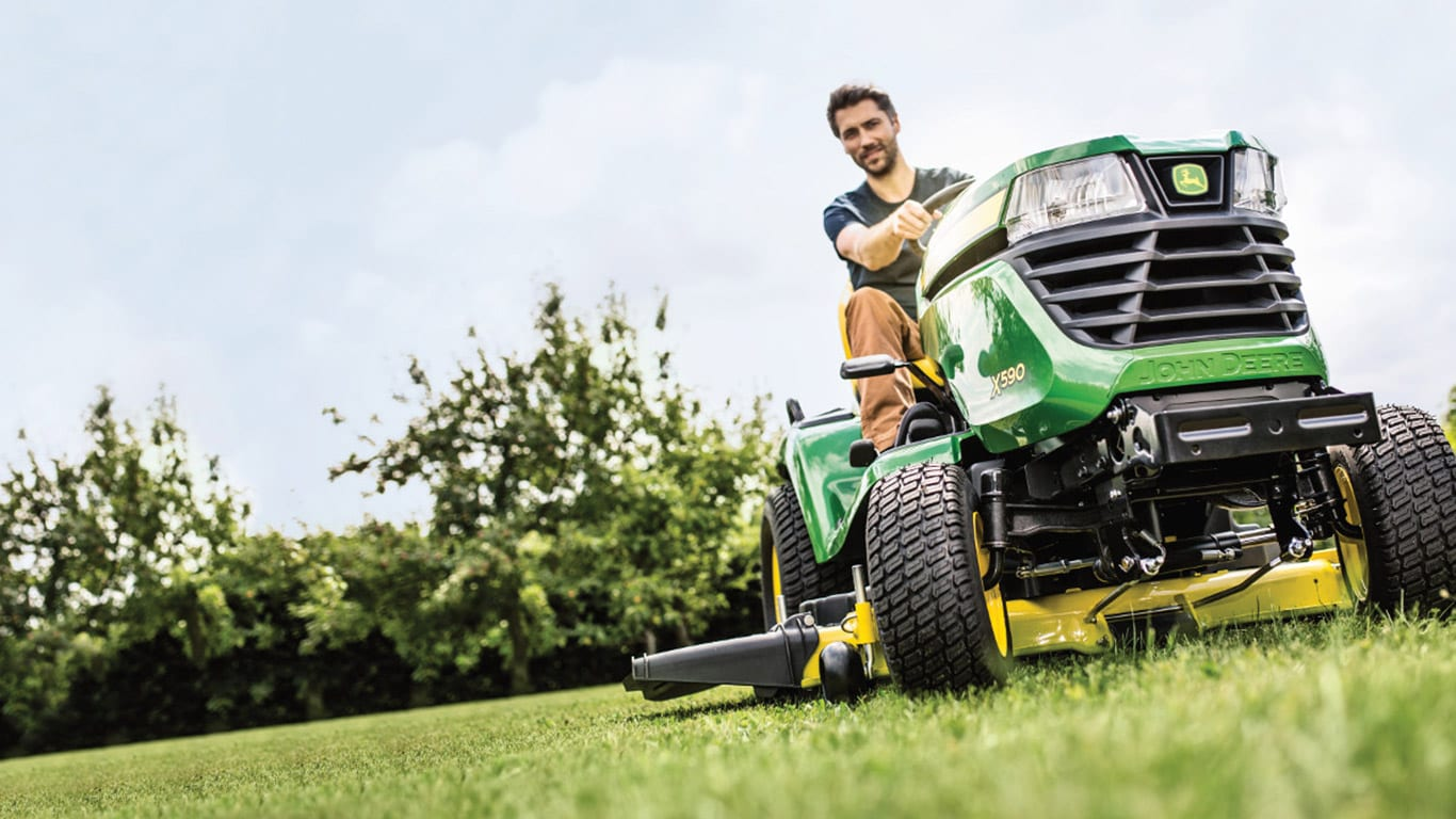 Riding Lawn Equipment RLE Lawn Tractors X500 Series