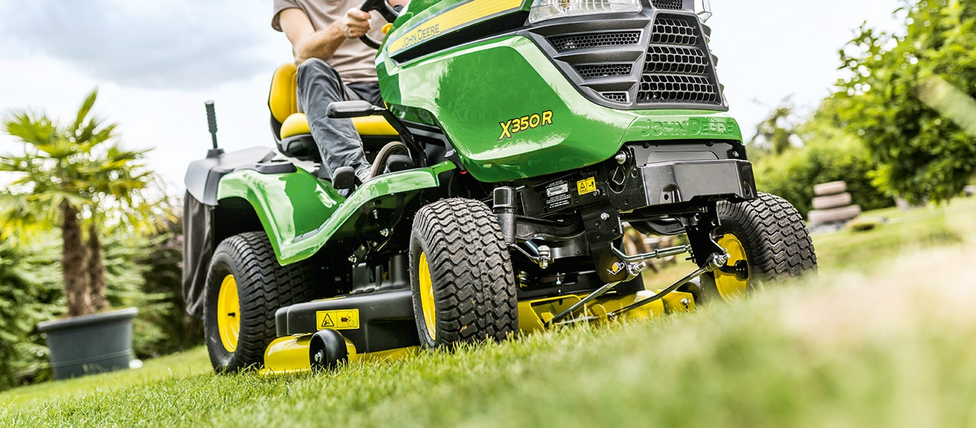 X350R Lawn Tractors Field