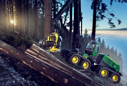 John Deere 1270E with 8 wheels